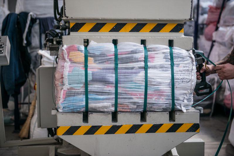 Imballaggio indumenti usati